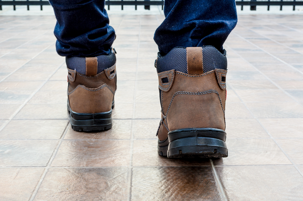 A Comparison Of Composite Toe Versus Steel Safety Toe Boots