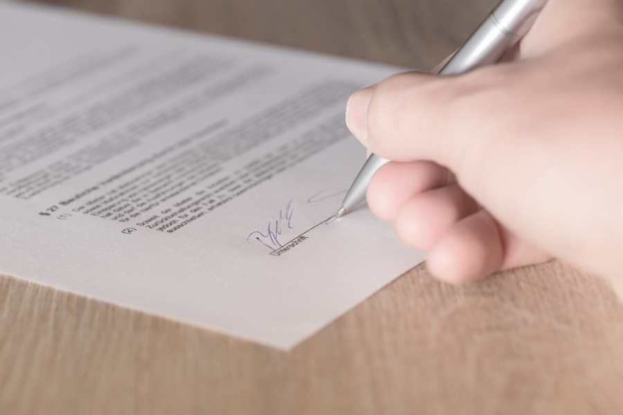 4 Kinds Of Contracts You Should Have Your Lawyer Review