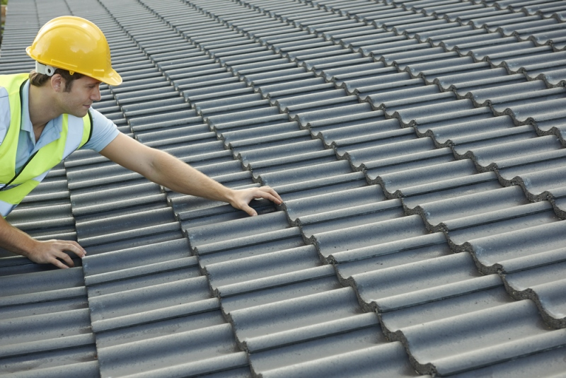 When To Call Roofing Experts