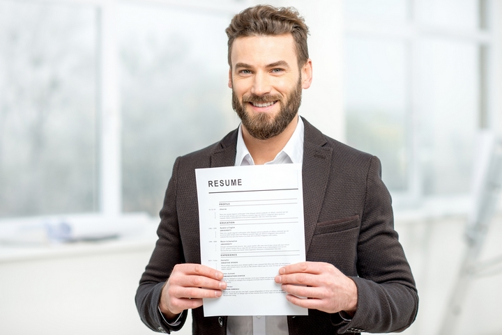How To Choose The Right Format To Send Your Resume?