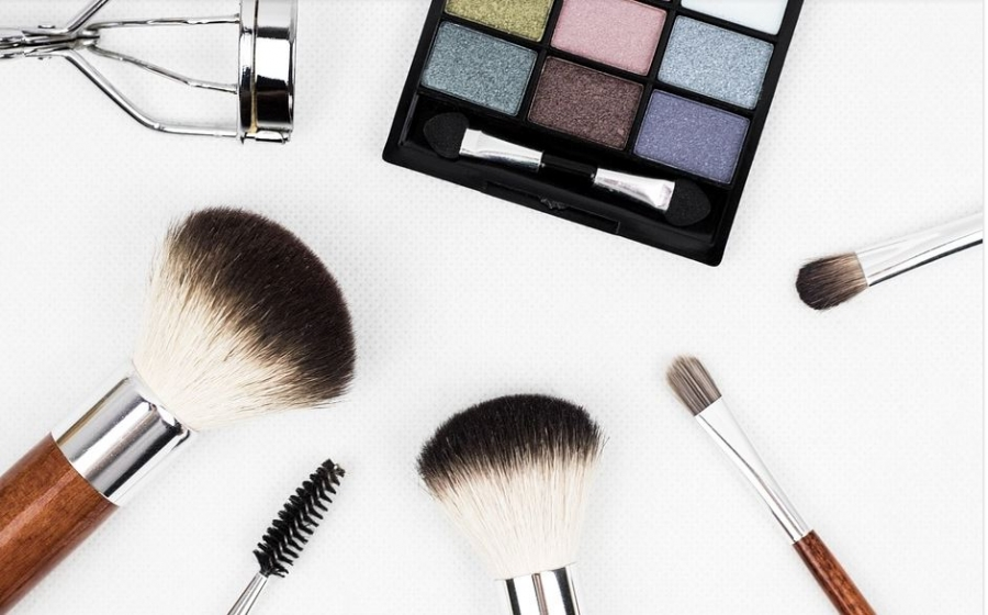 5 Ways Your Brand Can Enter The 93 Billion Dollar Cosmetic Industry
